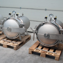 4 pressure vessels with quick release fastener